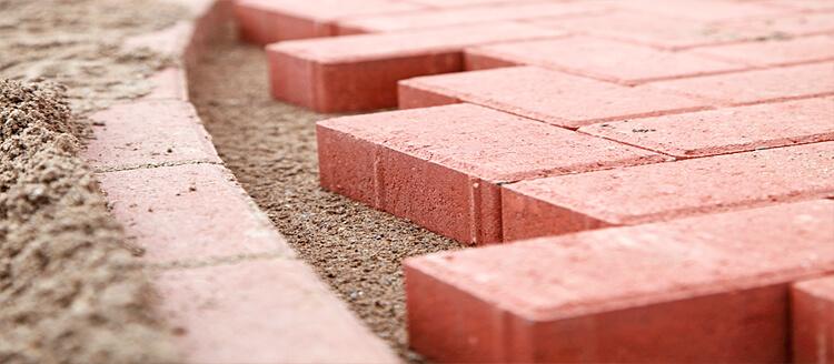 Какой цемент используют для укладки тротуарной плитки?