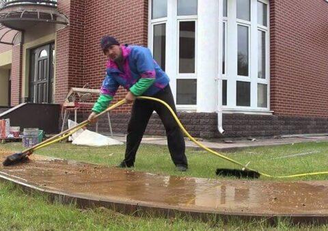 Чем мыть тротуарную плитку?